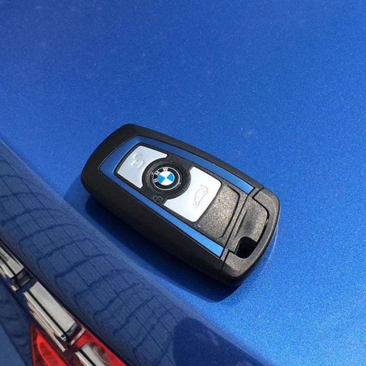 key #bmw #f32 #msport #bimmer #bmwlove #estorilblue #bmwcoupe - [Instagram]