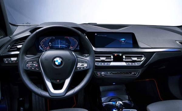 2022 BMW Urban X Interior