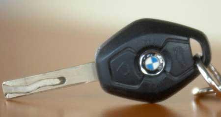 BMW Schlüssel Reparatur und Akku Tausch