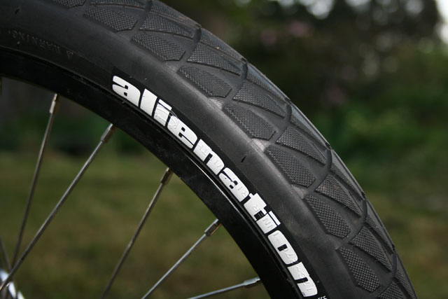 Alienation TCS Graffiti tire