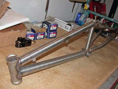 supercross-cromo-bolt-frame