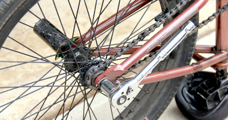 How To Center Your Back Wheel When Tightening It Down