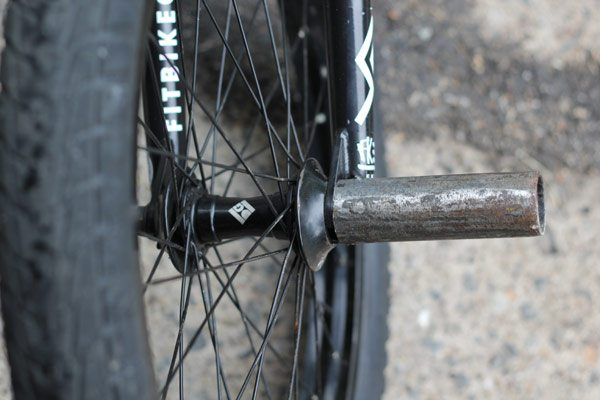 dan-conway-bmx-bike-check-front-hub