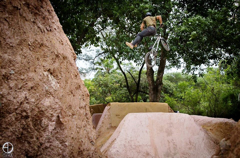 no-foot-can-can-bmx-trails