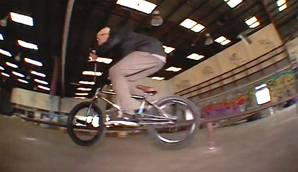 Melbourne Zoo BMX – Jono Hopping & Matt Allpress Indoor Zoo