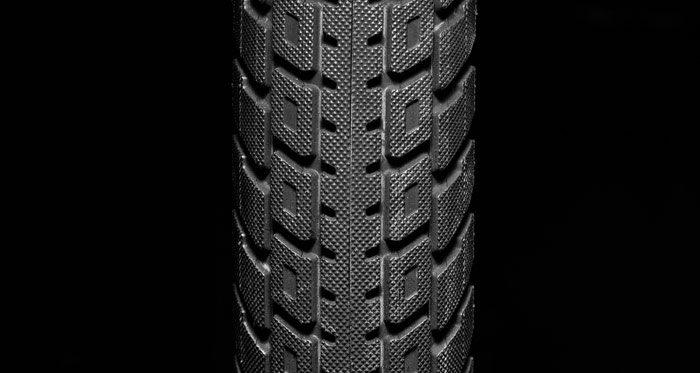 kink-bmx-lyra-tire-knurling