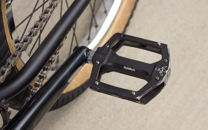 kurt-hohberger-bmx-bike-check-flybikes-geo-2016-pedals