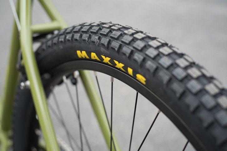 fairdale-bikes-2017-taj-complete-bike-tire