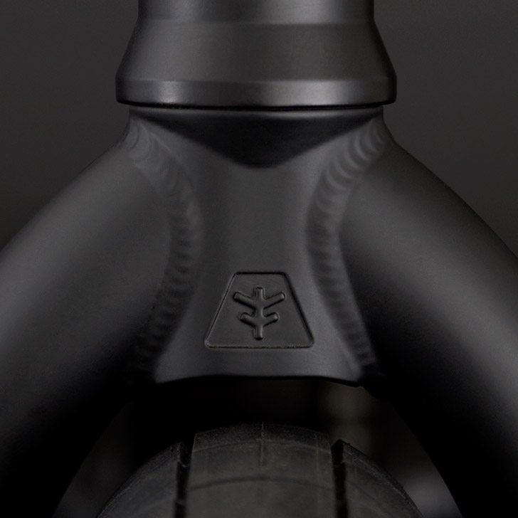flybikes-volcano-bmx-fork-detail