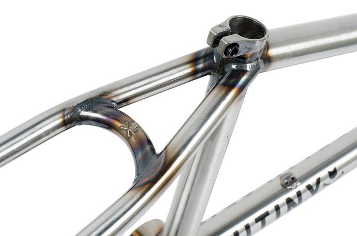 mutiny-bikes-2017-death-grip-bmx-frame-seat-stay-bridge