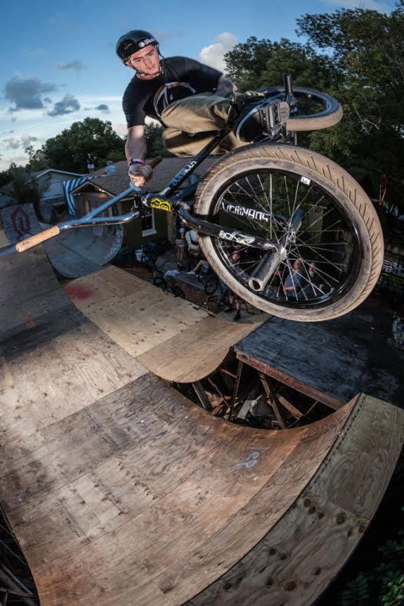matt-ray-seat-grab-bmx