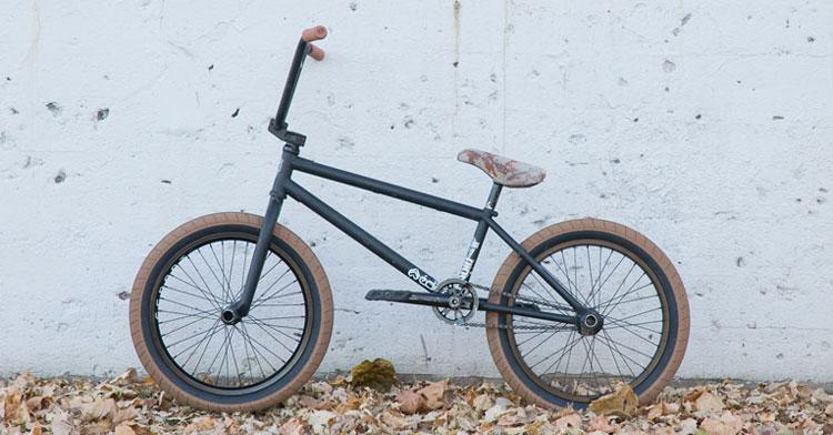 Ethan Schmitt On Radio Bikes + Bike Check