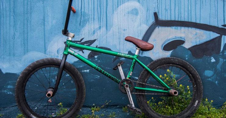 Eclat – Jason Eustathiou Bike Check