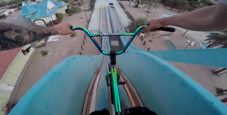 Ola Selsjord – Riding An Abandoned Waterpark In Dubai