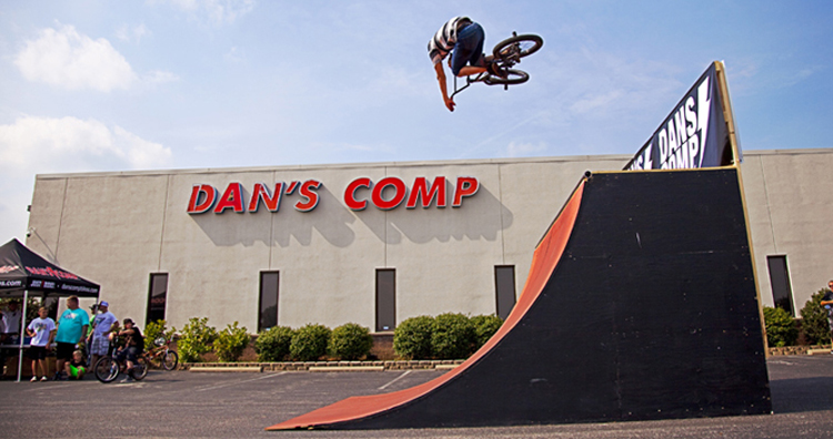 Dan's Comp Cuts Entire Team and Team Manager Scott Towne