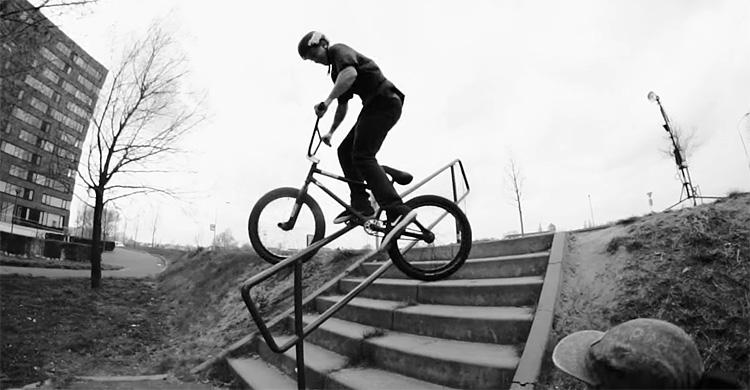 "Radio Bikes – Robin Kachfi ""Voyage"""