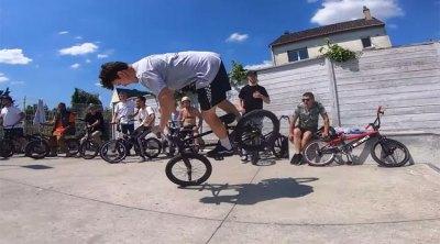 Paris Skatepark Jam on Fire BMX video