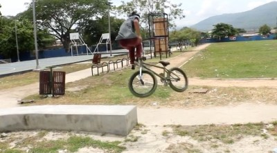 Eighties Bike Co Henry Benitez BMX video