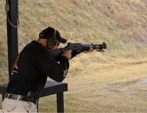 Преимущество прочной агрессивной стойки - даже после трёх выстрелов подряд в скоростной манере сохраняется стабильность и оружие полностью контролируется