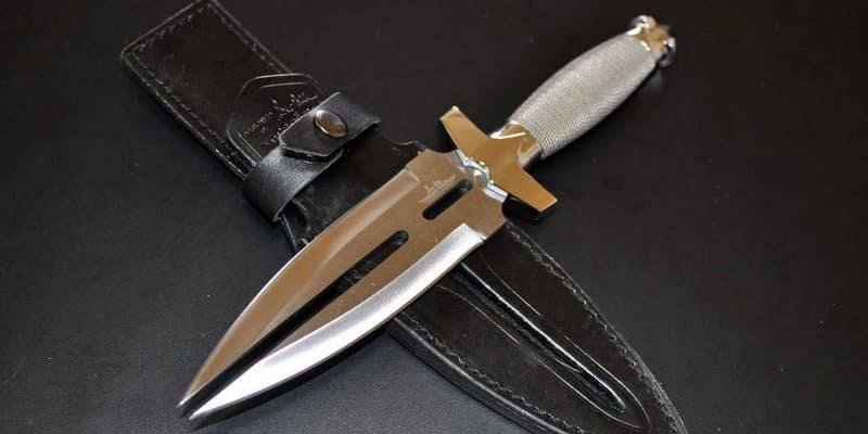 """Топ-5 самых бесполезных и странных """"боевых"""" ножей"""