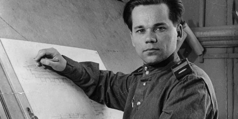 Старший сержант Михаил Калашников.