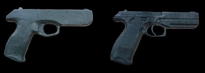 <strong>Из пластилина и пластмассы</strong><br /> Первый макет, вылепленный Лебедевым из скульптурного пластилина с добавлением свинцовой дроби. Напечатанный на 3D-принтере макет, который уже сильно напоминает настоящий пистолет.