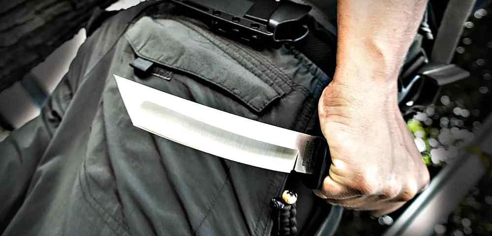 Террорист с ножом, или выживание в массовой резне в учебном заведении