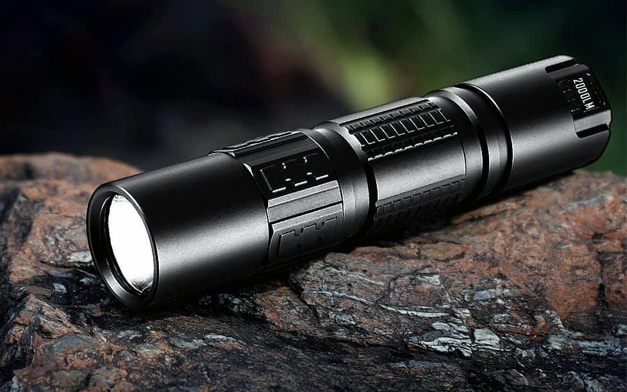 10 - IMALENT DM21C Tactical Flashlight - Тактические фонари - лучшие модели за 2020-й год