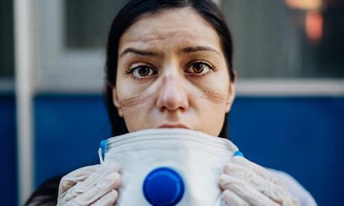 Врачи и медсёстры - «Професии апокалипсиса» - 9 самых важных специальностей после БП