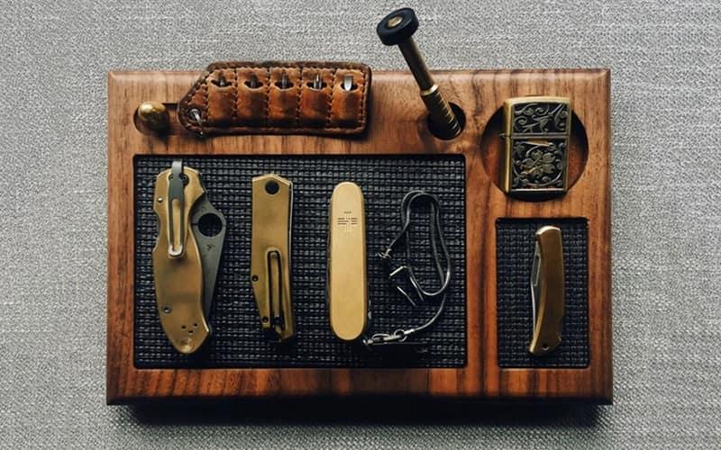 11 - Cur Knives and Tool Maintenance Valet Tray - Органайзеры для EDC - 12 лучших стационарных и портативных моделей - Last Day Club