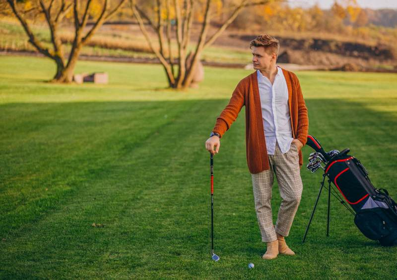 man playing golf, Costa Blanca, Jávea, B&B Casa Asombrosa