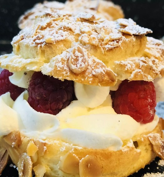 Choux chantilly framboise