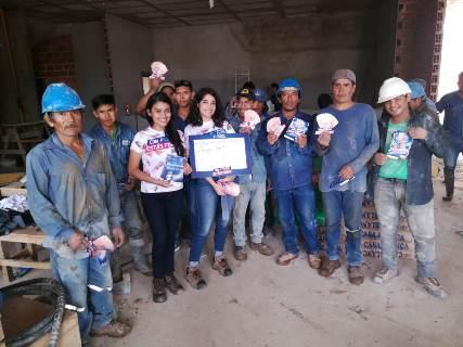 Cemento Camba entrega 240.000 Bs en bonos para trabajadores de la construcción