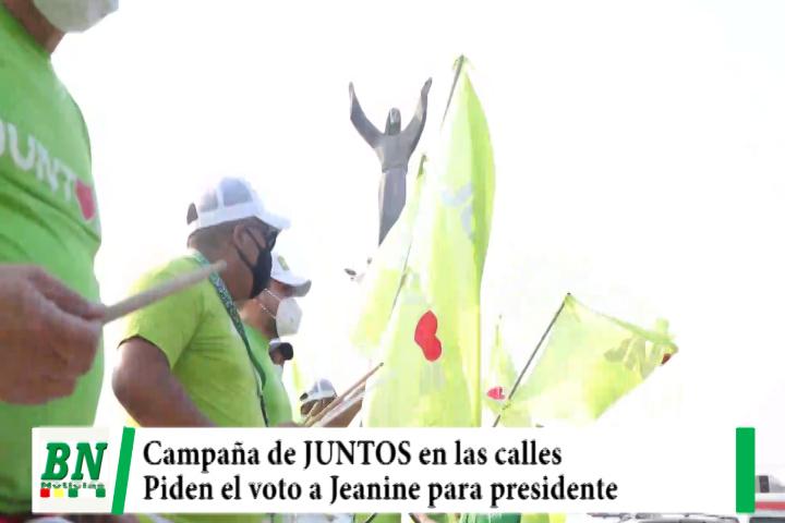 Camapaña JUNTOS, en las calles busca el voto para Jeanine, inauguraron casa de campaña y colocaron microperforado