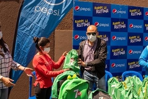 CBN, a través de su marca Pepsi, entrega ítems de bioseguridad para tiendas en Cochabamba