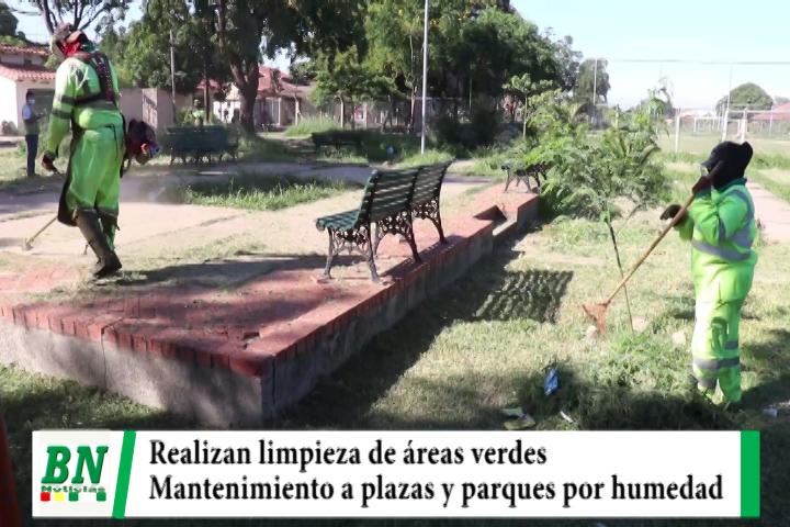 Municipio realiza limpieza y poda en plazas y parques al crecer la maleza por la humedad