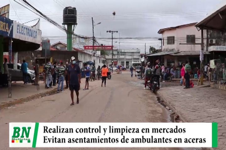 Municipio realiza control y limpieza en mercados y evita asentamiento de ambulantes