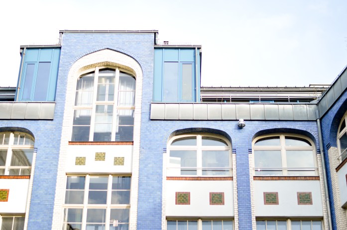 jewish-district-blue-building-berlin-bnsphotography.com