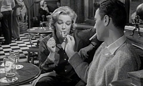 Laurence Harvey in the pub in the film of Room at the Top.