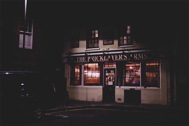 Bricklayers pub exterior.