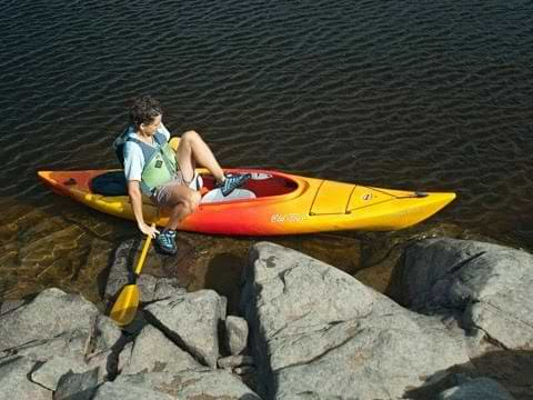 how to get out of a kayak with bad knees