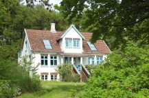 avernakø denmark house villa nice roof trees holiday