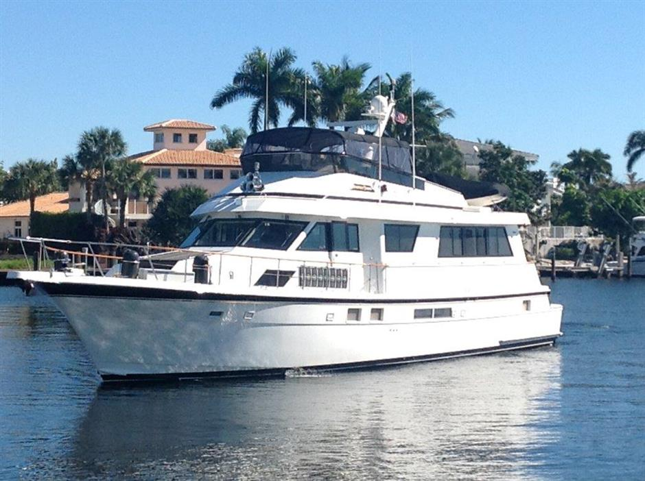 70 HATTERAS COCKPIT MOTOR YACHT 1989 DRASTICALLY REDUCED