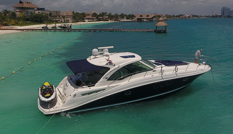 cancun rent a yacht