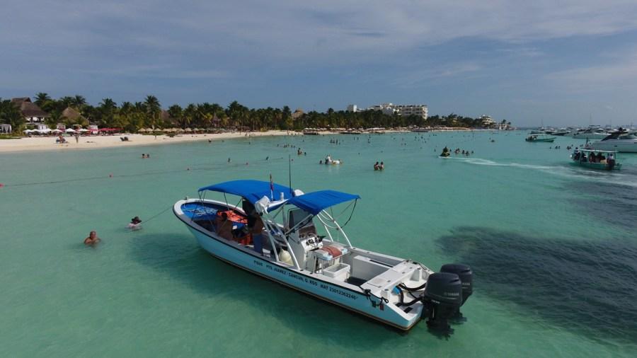 Ixlache snorkeling boat