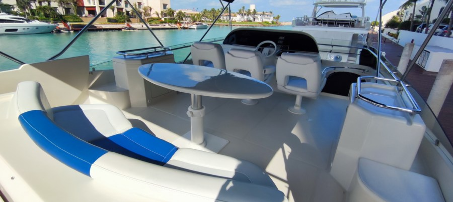 flybridge of Nuvaris 60ft 61 62 63 64 65  yacht for rent in Cancun