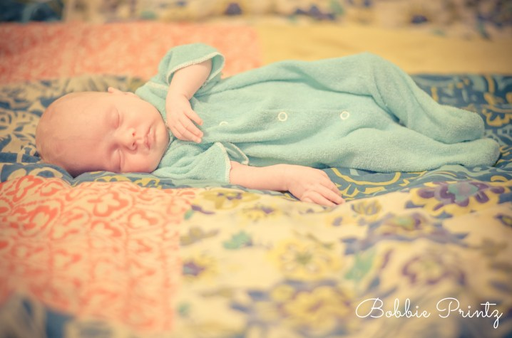 Newborn-sleeping-blanket-Photographer-Minneapolis-st.paul-minnesota