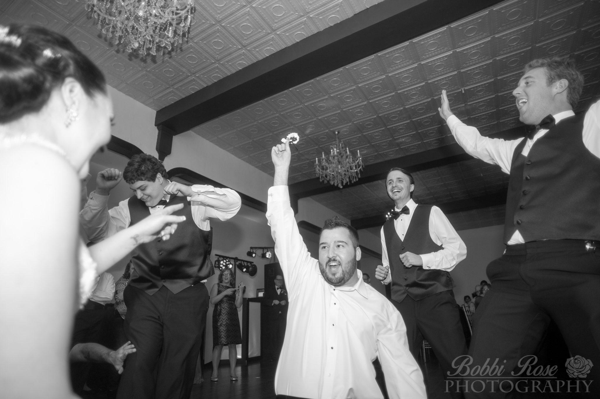 GARTER - Groomsmen - Rockford Wedding Photographer - Chicago Wedding Photography - © Bobbi Rose Photography