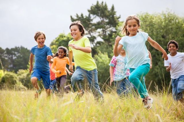 MAIN-children-playing-outside