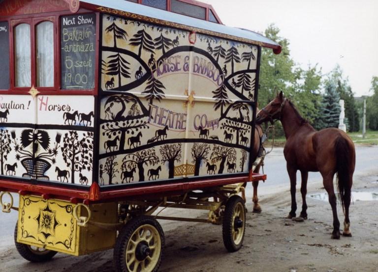 Horse-drawn theatre tour, Hungary